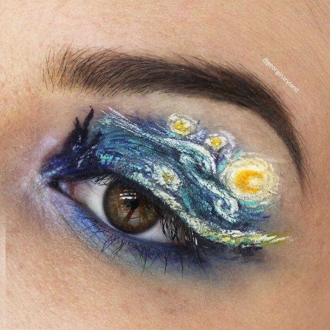 extravagantes Make-up - Kunstwerk auf dem Augenlid