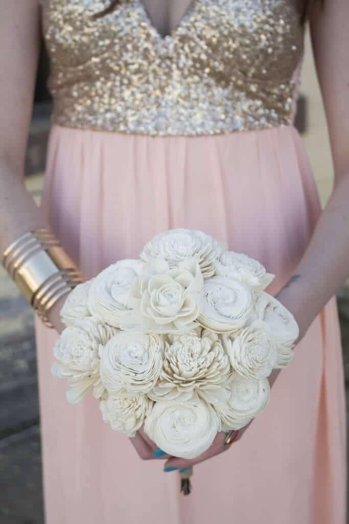 Hochzeitsstrauß aus Papierblumen - DIY Hochzeitsdeko