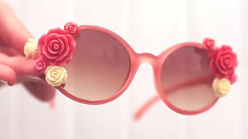 Sonnenbrille mit Rosen dekorieren - Dekoideen zum Selbermachen