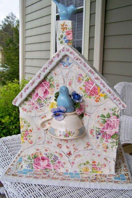 DIY Dekoidee-Mosaik Häuschen dekorieren-Gartendeko