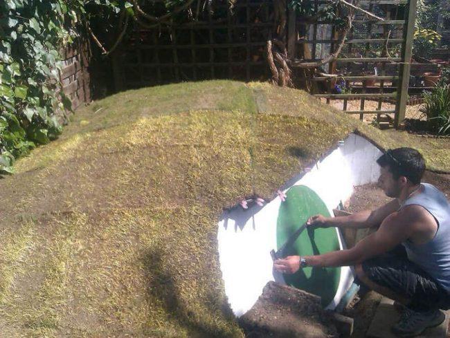 kleines Haus unter die Erde bauen - DIY Ideen für den Sommer