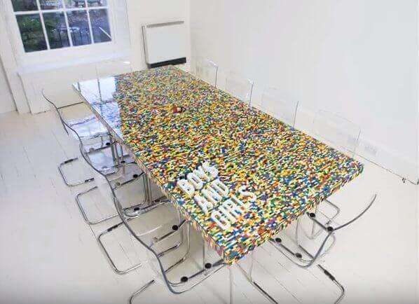 DIY Projekt mit Lego - Konferenztisch basteln
