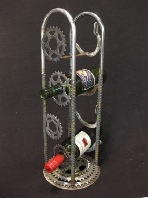 Fahrradgetriebe als Weinhalter verwenden - DIY Wohnideen