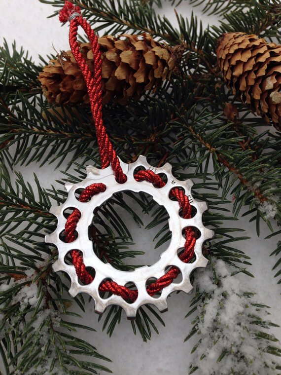 Weihnachtsbaumschmuck aus Fahrradgetrieben basteln - DIY Geschenkideen