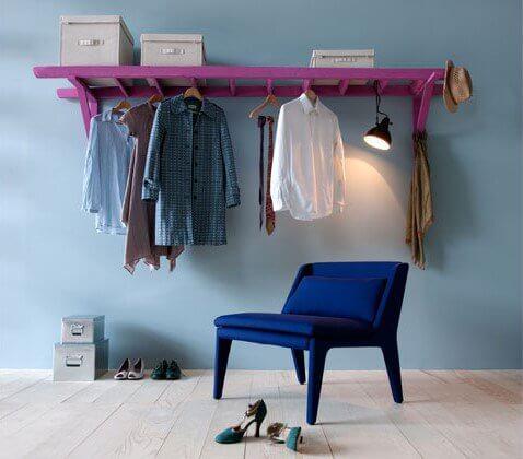 So kannst du am schönsten eine Leiter in dein Interieur einarbeiten - DIY Garderobe