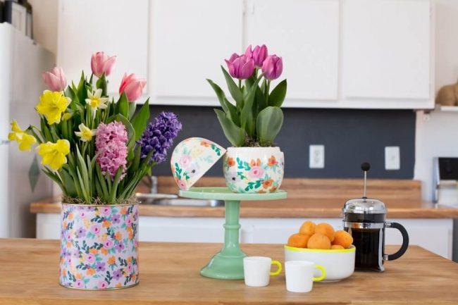 Blumen in der Wohnung sorgen für gute Laune - DIY Blumendeko Ideen