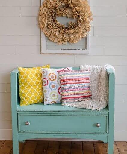 Kommode zur Sitzbank gestalten - DIY Wohnideen
