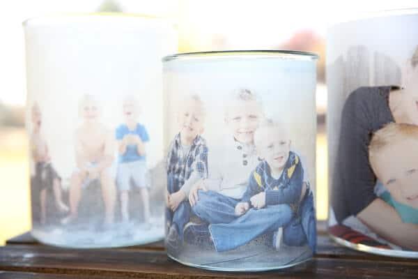 Lecuhtende Kerzengläser mit Fotos