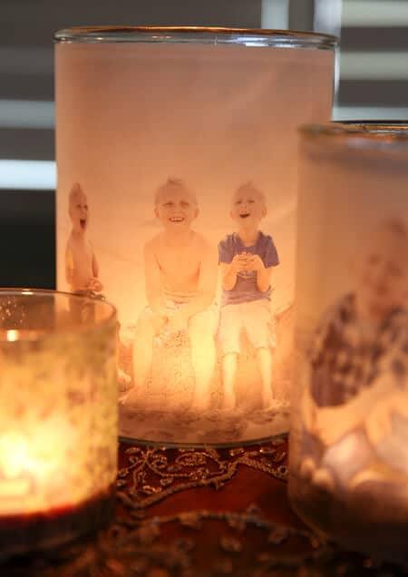 Leuchtende Kerzengläser mit Fotos selber machen