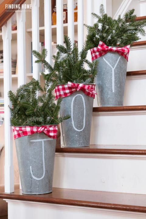 Weihnachtsdeko aus alten Zinkeimern selber machen
