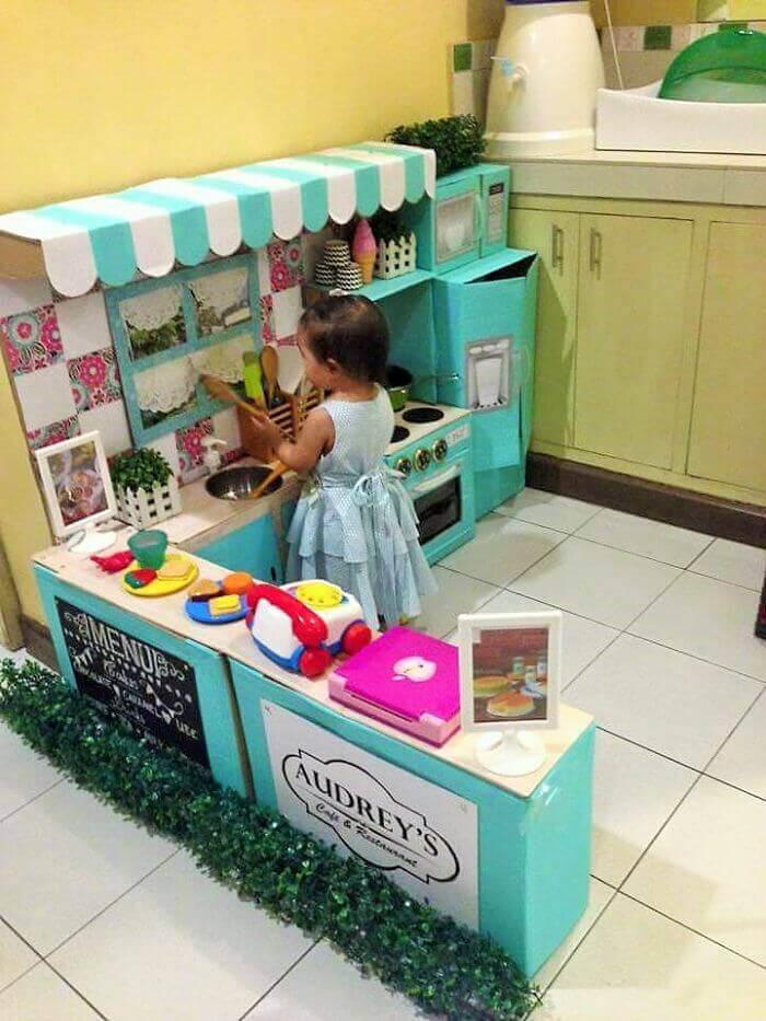 Mini Küche - Spielecke für Kinder - Bastelideen mit Kartonschachteln