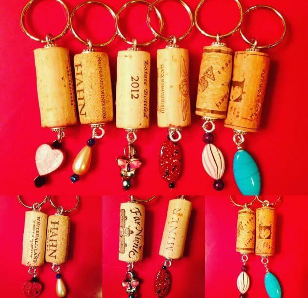Schlüsselanhänger aus Weinkorken basteln- DIY Bastelideen