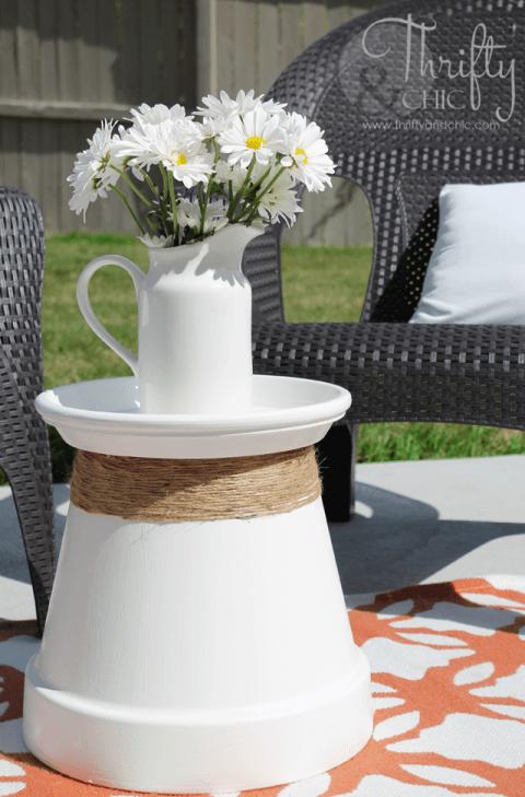 Gartendeko-Ideen - Beistelltisch mit Naturschnur verschönern