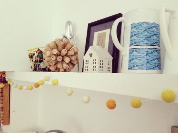 Ball-Küchendeko selber machen-DIY Deko aus Weinkorken