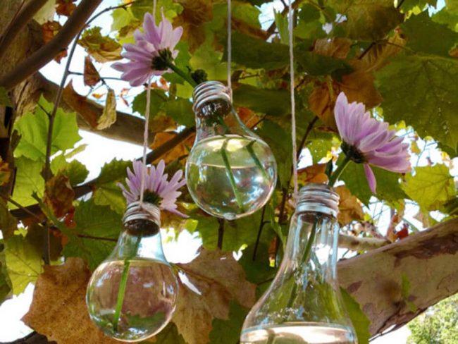Gartendeko mit Glühbirnen basteln