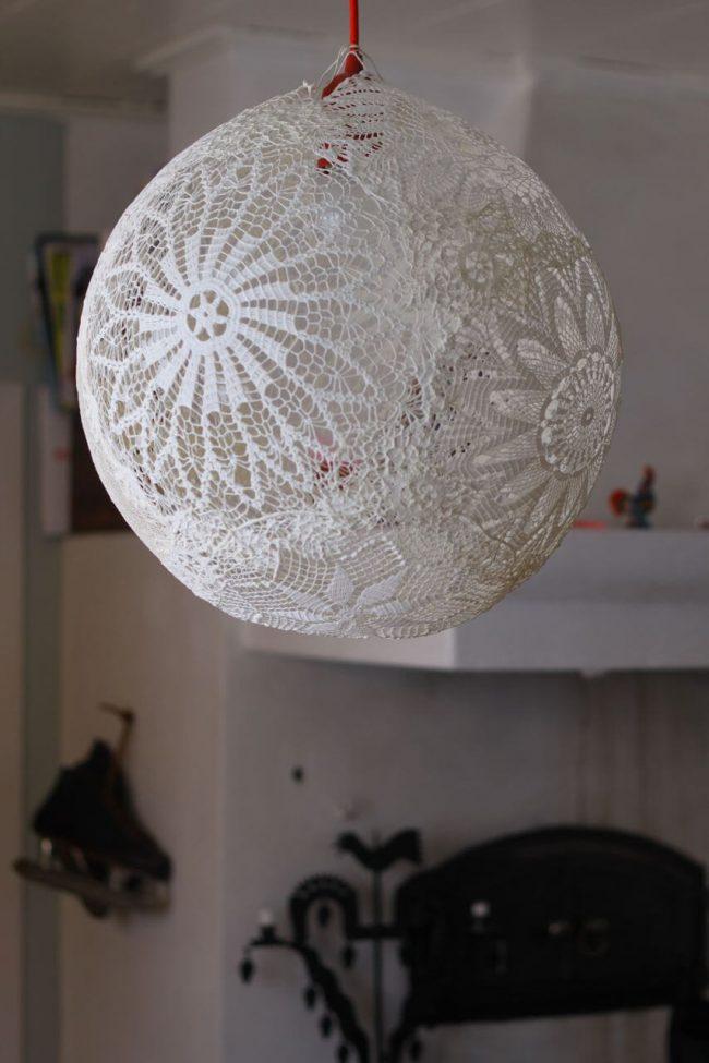 Lampe selber machen aus Spitze