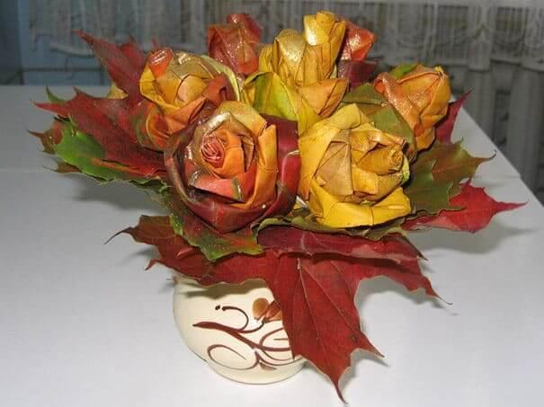 DIY Tischdeko aus Ahornblättern gestalten