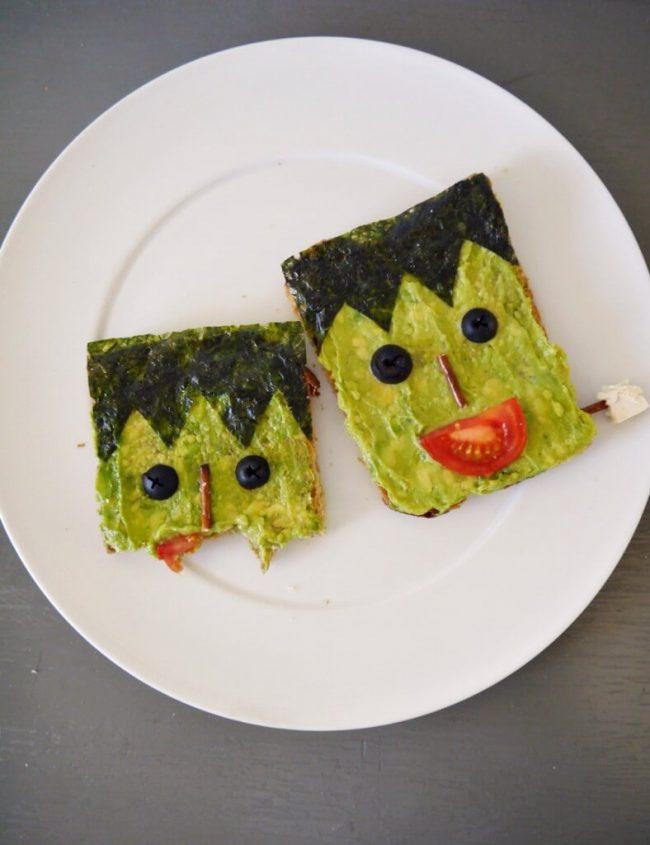 Veganer Avocado-Toast- Halloween-Rezept