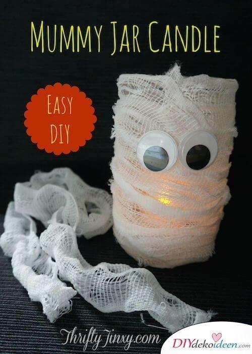 Süße Halloweendeko selber machen - DIY leuchtende Mumien