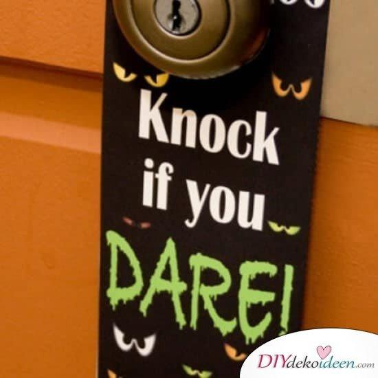 DIY Halloween Türhänger-Bastelidee