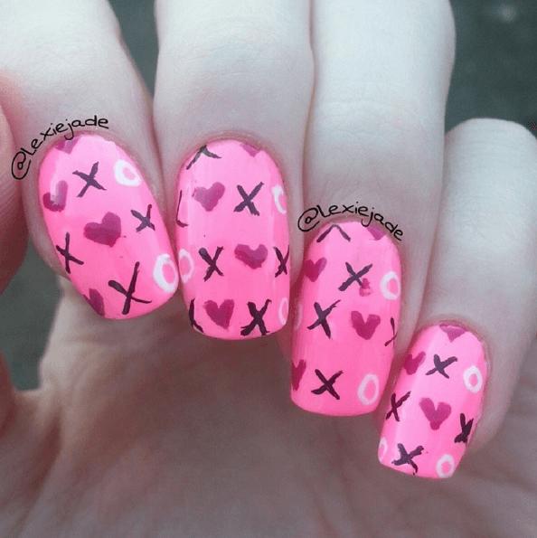 Nägel bemalen Pink XOXO, DIY Nageldesign Ideen zum Valentinstag