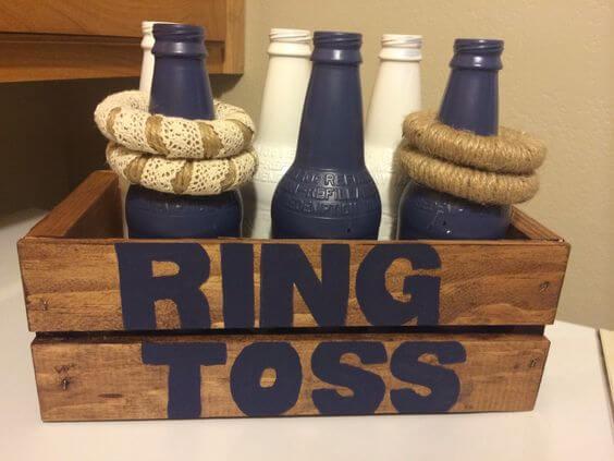 Seemannsstil Party - Spiel mit leeren Flaschen