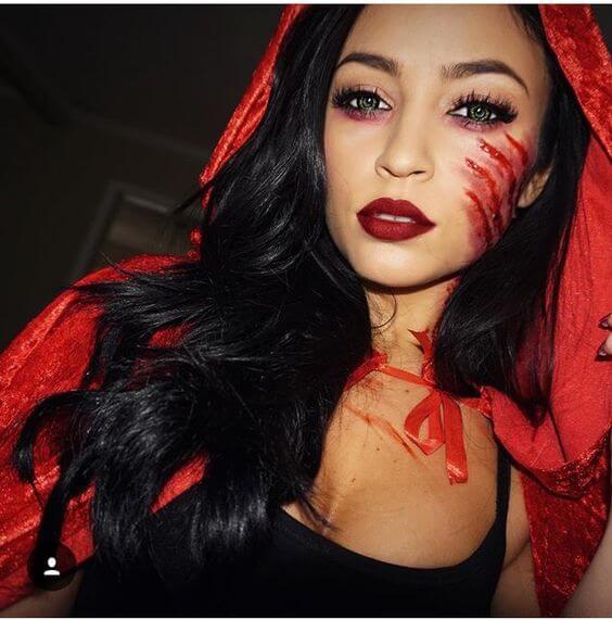 Rotkäppchen Kostüm und Make-up zu Halloween