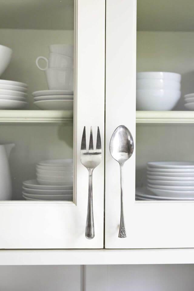 Küchenschrank verschönern - lustige Dekoration