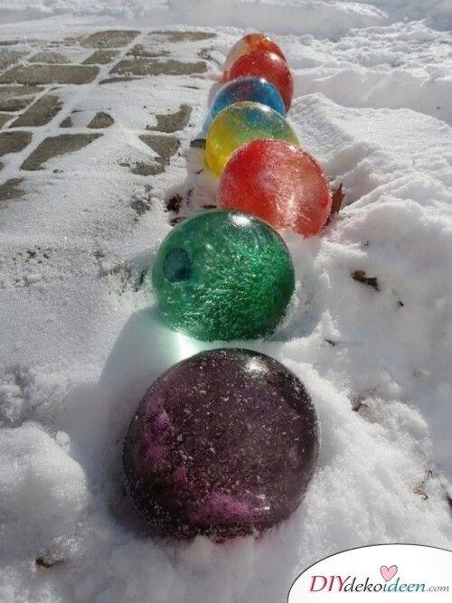 DIY Bastelidee mit Luftballons, riesige Eisluftballons, rieseige Murmeln aus Wasser, DIY Bastelidee mit Kindern