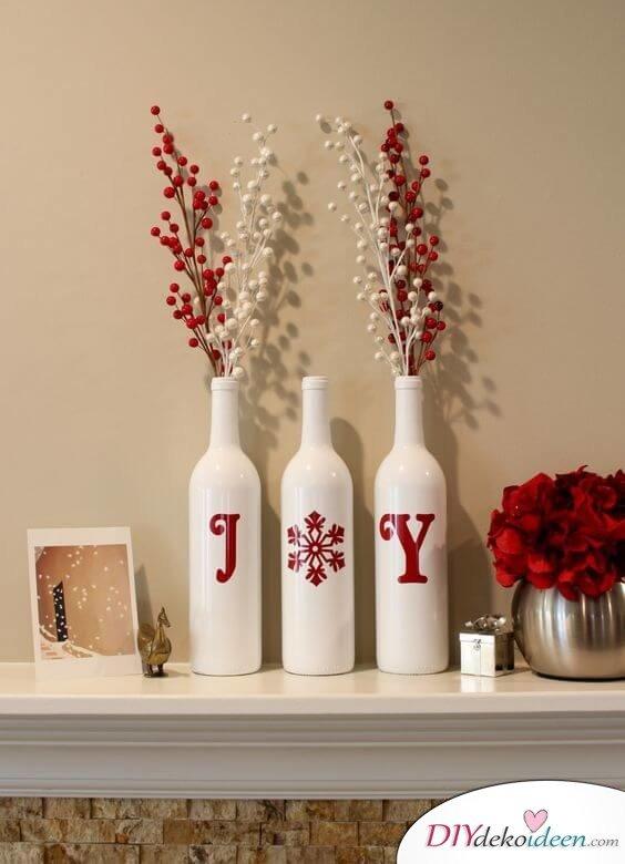 DIY Weihnachtsdeko Bastelideen mit Weinflaschen, Zierbeeren Deko