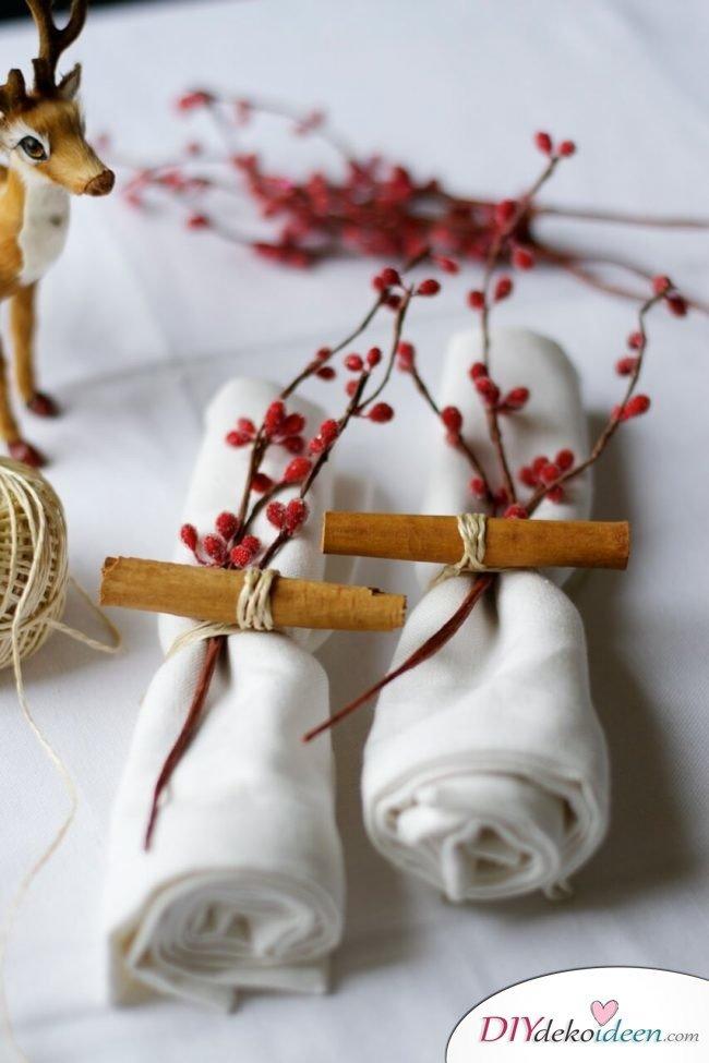 DIY Tischdeko Ideen zu Weihnachten, Zimt und Zierbeeren Serviettenring