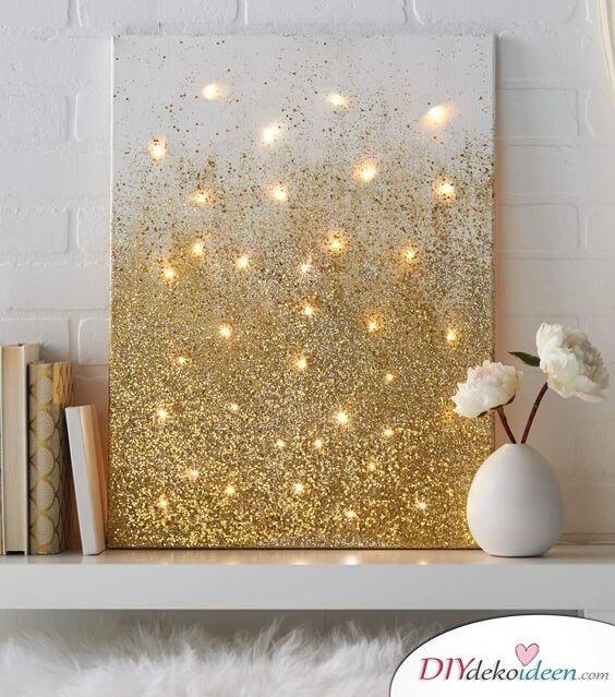 glitzernde Leinwand mit Lichterketten-Dekoraion