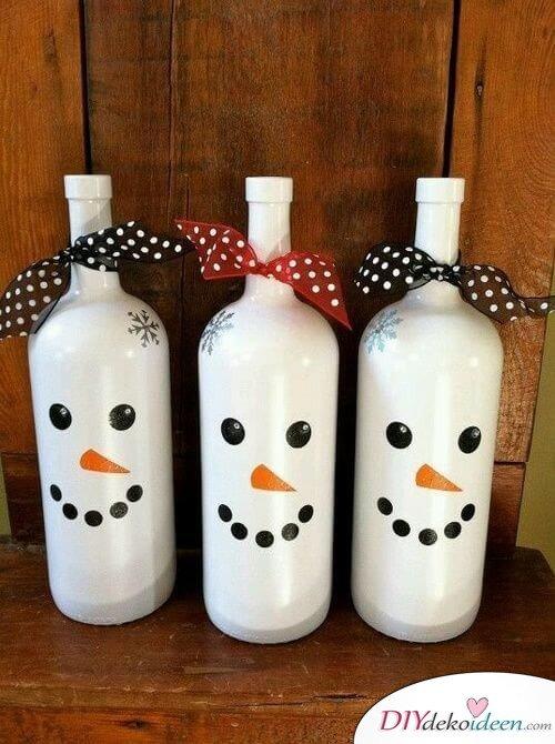 DIY Weihnachtsdeko Bastelideen mit Weinflaschen, Schneemann basteln mit Kindern