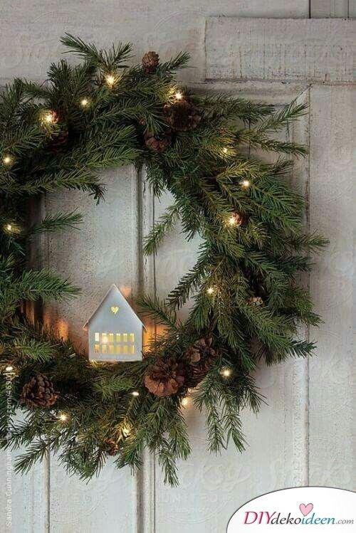 DIY Weihnachtsdeko Ideen, Weihnachtskranz, Türdeko mit Lichterketten