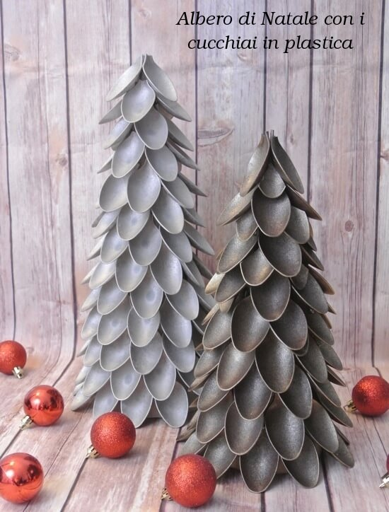 Plastiklöffel-Weihnachtsbaum selber machen