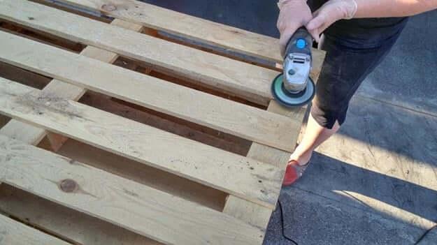 DIY Sitzecke, Gartenmöbel selber machen aus Europaletten