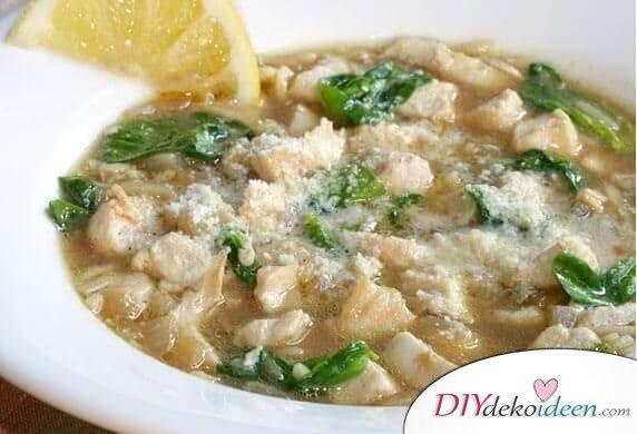 Leckere Rezepte für deinen Abnehmplan, Hühnchen Spinatsuppe, gesund abnehmen mit Suppen, Suppen mit wenigen Kalorien