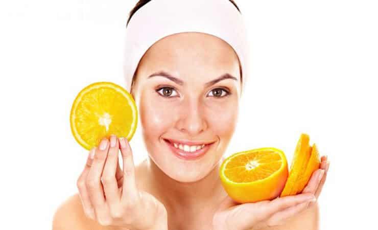 Feuchtigkeitsspendende Gesichtsmaske selber machen DIY Kosmetik Rezepte gegen unreine Haut