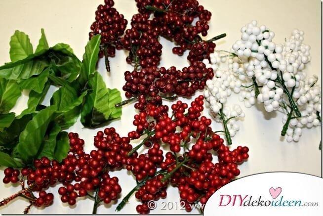 Weihnachtsdeko zum Selbermachen, wunderschöner Weihnachtskranz, DIY Weihnachtsdeko Bastelideen-Zierbeeren
