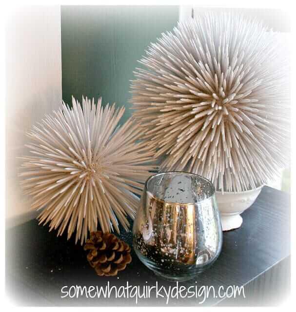 Weihnachtsdeko zum Selbermachen, Schneeball Deko aus Holzstäbchen