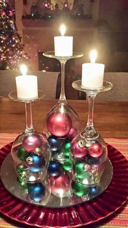Weihnachtsdeko zum Selbermachen, Weinglas-Deko, DIY Weihnachtsdeko Bastelideen