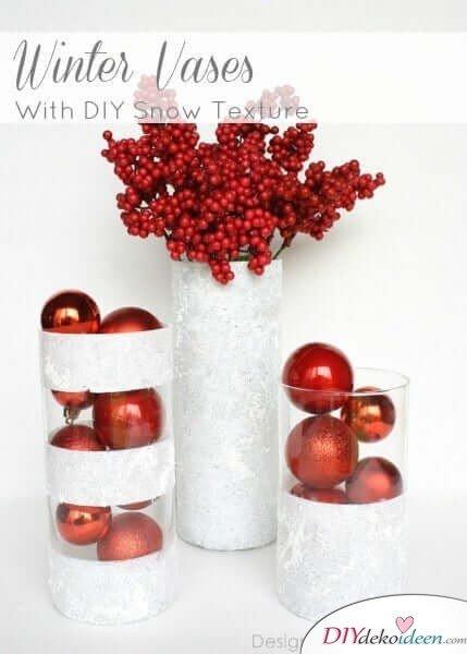 DIY Weihnachtsdeko Bastelideen, Vase mit Glitzer und Schneespray
