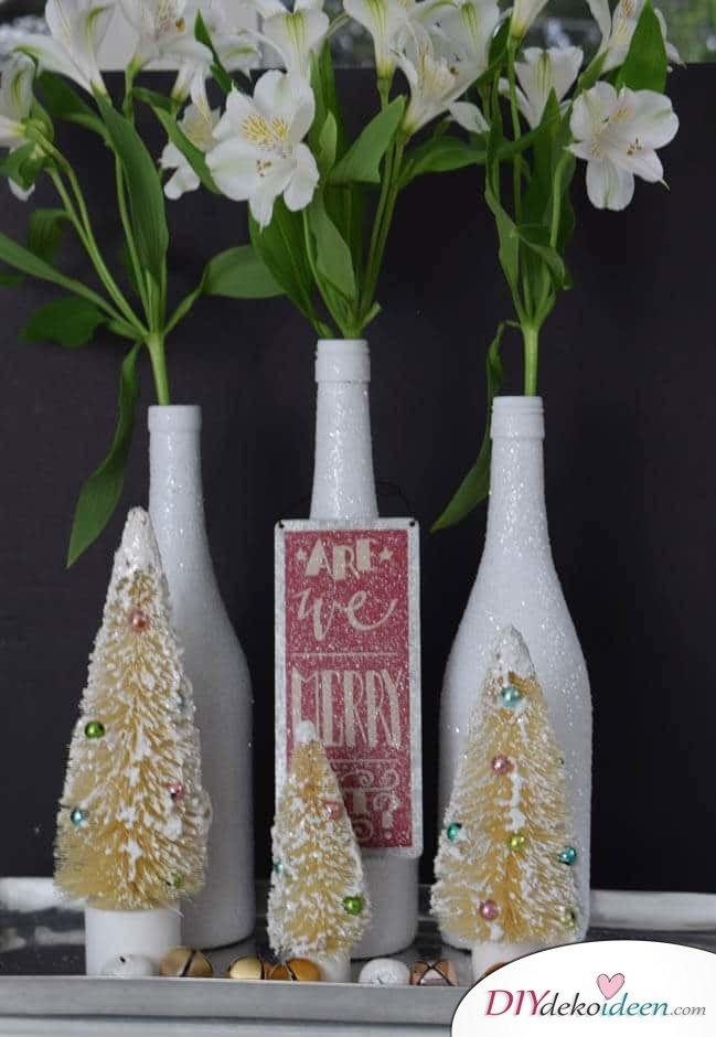DIY Weihnachtsdeko Bastelideen mit Weinflaschen, Weiße Glitzervase