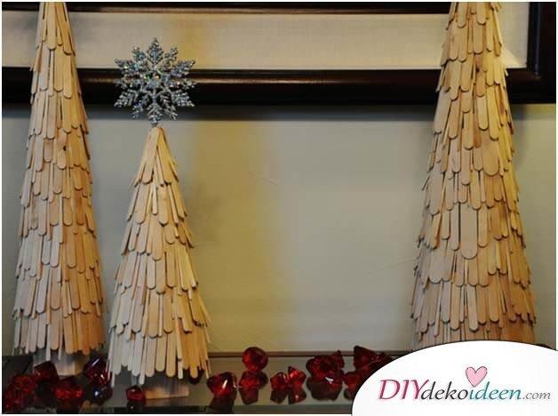 DIY Weihnachtsbaum-Bastelideen, mit Eisstäbchen basteln zu Weihnachten