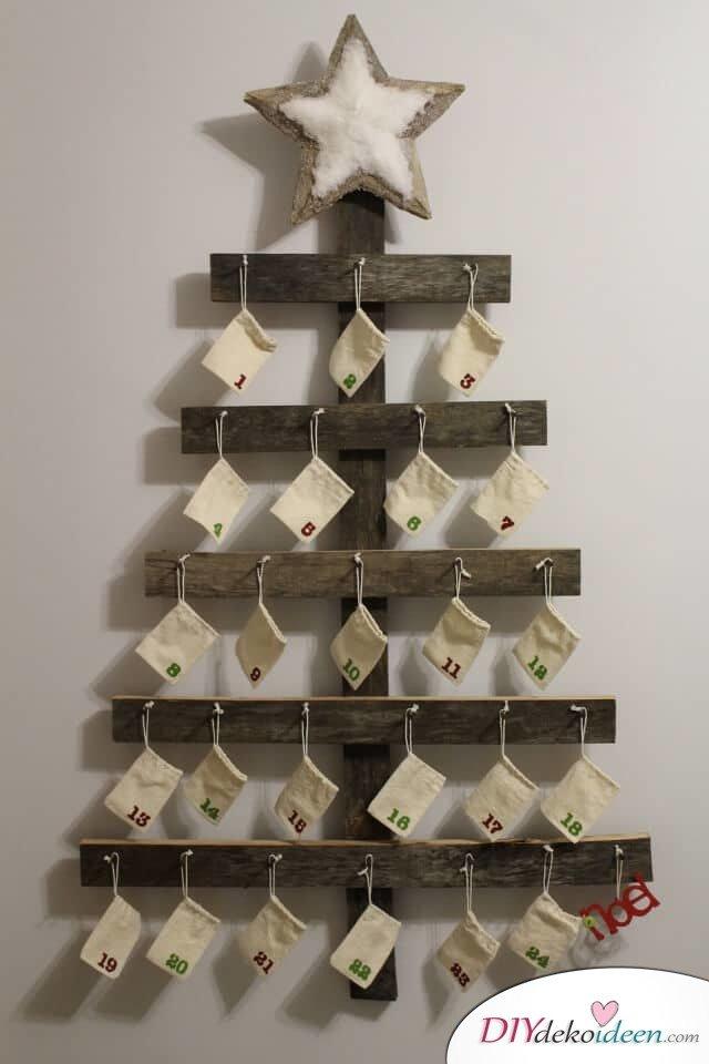 Adventskalender selber basteln, Weihnachtsbaum aus Europalette, DIY Idee zu Weihnachten