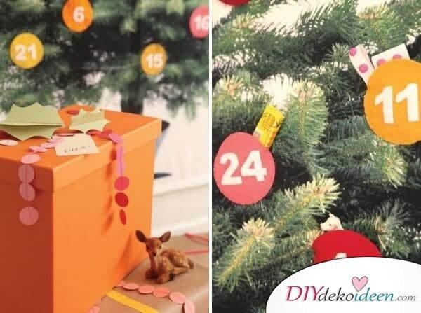 Adventskalender selber basteln, Filzkugel an den Weihnachtsbaum hängen