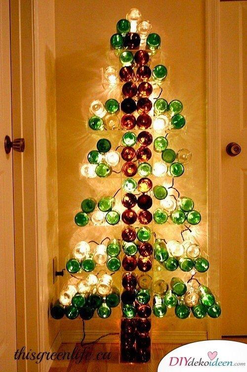 DIY Weihnachtsbaum-Bastelideen, Glasflaschen wiederverwenden mit einer Lichterkette