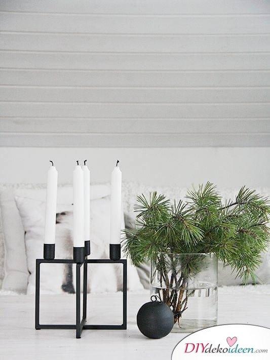 DIY Weihnachtsdeko und Bastelideen zu Weihnachten, skandinavische Tischdeko mit Kerzen, Tannenzweige in Vasen stellen