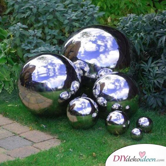 DIY Wohndeko-Ideen mit Spraydosen, Bowlingkugel besprühen, DIY Gartenkugel, Gartendeko gestalten