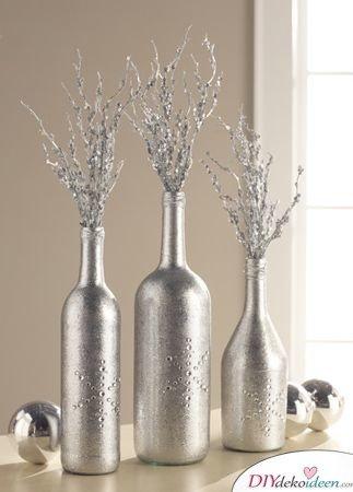 DIY Weihnachtsdeko Bastelideen mit Weinflaschen, Silberne Vasen
